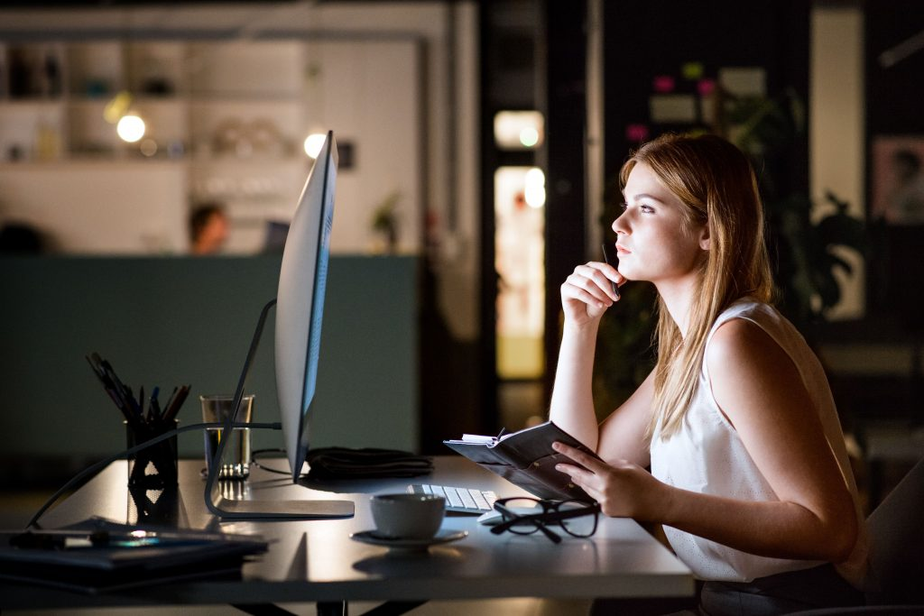 businesswoman-in-her-office-at-night-working-late-PM75SZM-min-1024x683 About